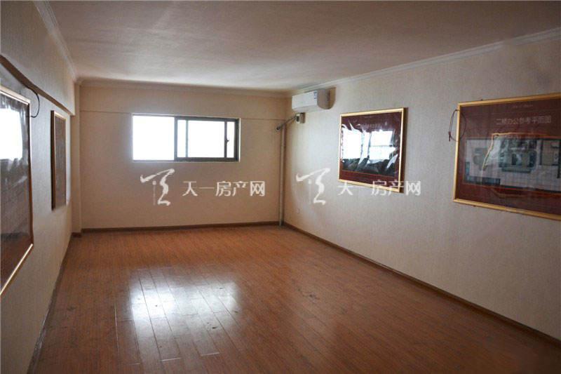 桂海东盟商贸中心五金机电城天地铺2楼样板间2.jpg